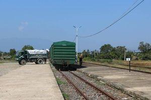 Truy tìm kẻ gian tháo gỡ đinh đường sắt qua Khánh Hòa