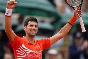 Thắng dễ Struff, Djokovic theo chân Federer và Nadal vào tứ kết Roland Garros