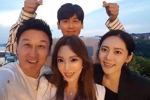 Ảnh hiếm hoi Song Joong Ki - Jang Dong Gun và loạt tài tử hàng đầu Hàn Quốc dự đám cưới Joo Jin Mo
