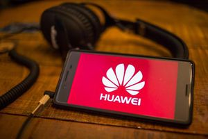 Lãnh đạo doanh nghiệp có thể lĩnh án nếu cố hợp tác với Huawei