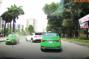 Siêu xe Bentley Bentayga tiền tỷ duy nhất ở Hà Nội bị đâm hỏng như thế nào?