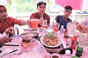 Đám cưới không rượu bia, khách uống nước ngọt, nước khoáng ở Bình Phước
