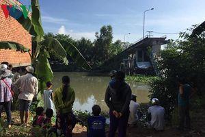 Trục vớt xong xe tải gây sập nhịp giữa cầu Tân Nghĩa