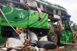 Thông tin mới nhất vụ xe khách lao xuống sông ở Thanh Hóa