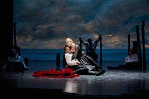 Giới thiệu vở kịch kiệt tác của Victor Hugo