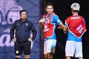 HLV Thái Lan chỉ đích danh 3 cầu thủ Việt Nam khiến đội bóng xứ Chùa Vàng phải dè chừng