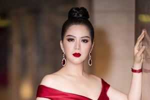 Ca sĩ Đinh Hiền Anh từ chối trả lời những câu hỏi về gia đình