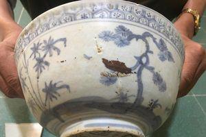 Nghệ An: Đào huyệt, phát hiện cổ vật
