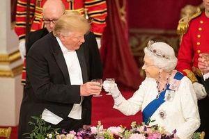 Nữ hoàng Anh mở quốc yến chiêu đãi ông Donald Trump và phu nhân