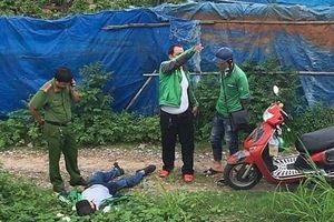 TP.HCM: Bác tài xế Grab nằm gục dưới đường nghi bị đánh thuốc mê, cướp tài sản