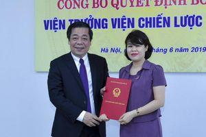 Bà Nguyễn Thị Hòa làm Viện trưởng Viện Chiến lược Ngân hàng