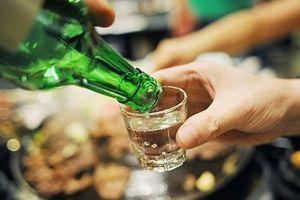Làm sao bớt say xỉn, tránh ngộ độc rượu?