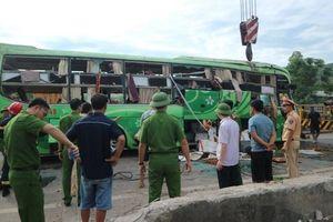 Xe khách lao xuống sông ở Thanh Hóa: Lái xe khai gì?