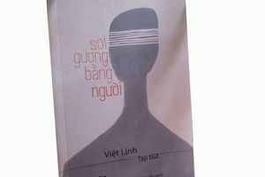 Đạo diễn Việt Linh trò chuyện về Soi gương bằng người