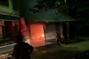 Lạng Sơn: Cháy kho hàng lúc nửa đêm, thiêu rụi nhiều tài sản quý giá