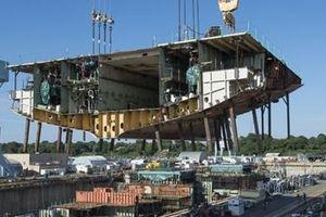 Robot và laser đưa ngành đóng tàu vào kỷ nguyên số