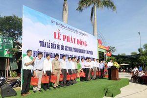 Thừa Thiên Huế: Trao 200 giỏ xách đi chợ, bao ni lông tự phân hủy