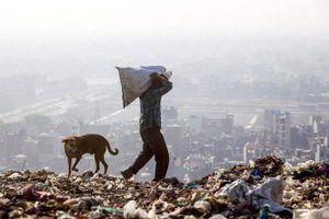 Núi rác cao nhất Ấn Độ không ngừng cao thêm