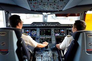 Bộ trưởng GTVT lên tiếng về chuyện 'lôi kéo' nhân lực ngành hàng không