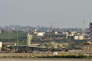 Sân bay quốc tế ở Tripoli của Libya bị máy bay quân sự tấn công