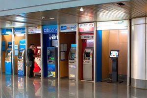 Ngân hàng thu bao nhiêu tiền từ dịch vụ thanh toán, tiền mặt?