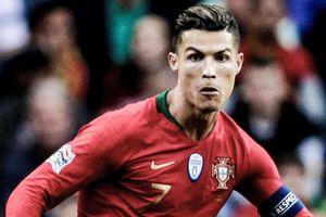 Ronaldo xâu kim đối thủ điệu nghệ tại bán kết Nations League
