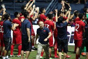 Trước trận chung kết Việt Nam - Curacao: Thầy Park tính đưa hết dự bị ra sân