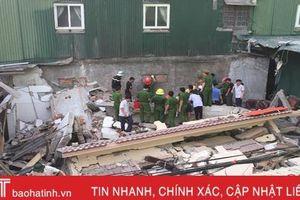 Sập nhà lúc tháo dỡ ở TP Hà Tĩnh, 2 người bị thương