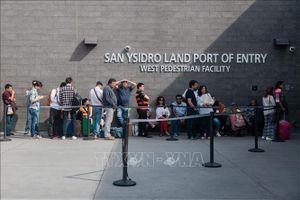 Hơn 84.500 hộ gia đình di cư bị bắt giữ tại biên giới Mỹ - Mexico