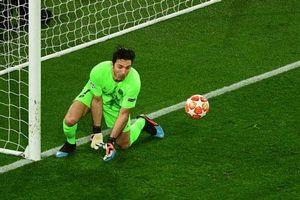 CHÍNH THỨC: Paris SG chia tay Buffon