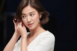 Mặc tin đồn lạnh nhạt hôn nhân, Song Hye Kyo khoe thần thái đỉnh cao