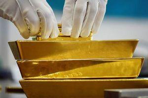 Giá vàng thế giới cao nhất 15 tuần, đồng USD hồi phục