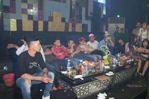 Hàng chục nam nữ phê ma túy trong quán bar ở Bình Dương