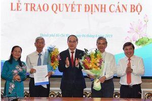 Trao quyết định phê chuẩn bầu hai Phó Chủ tịch UBND TP.HCM