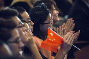 Trường Mỹ mua bảo hiểm phòng sinh viên Trung Quốc nghỉ học