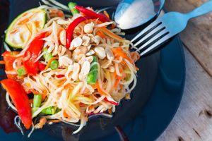 7 món ăn đường phố phải thử khi đến Thái Lan xem King's Cup