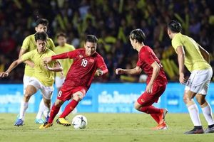 Bị CĐV tuyển Việt Nam chỉ trích, 'Messi Thái' xin lỗi bằng tiếng Việt