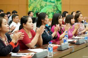 Thủ tướng gặp các đại biểu Quốc hội trẻ