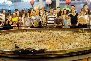 Tái xác lập kỷ lục bánh xèo lớn nhất Việt Nam