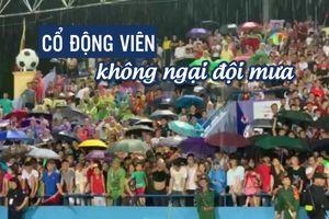 U.23 Việt Nam thắng đẹp, mưa rét, sấm chớp không làm fan rời sân