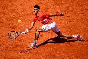 Nole nhẹ nhàng tiến bước vào bán kết Roland Garros