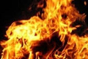 Long An: Vợ tưới xăng đốt chồng nguy kịch