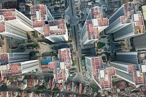 Ngộp thở hình ảnh chung cư cao tầng dày đặc chọc trời giữa Thủ đô