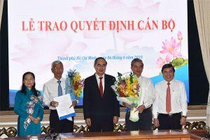 Trao quyết định phê chuẩn 2 Phó Chủ tịch UBND TP Hồ Chí Minh