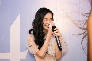 Jun Vũ khóc, cười nhận quà sinh nhật đặc biệt từ Isaac, Will và người hâm mộ Hà Nội