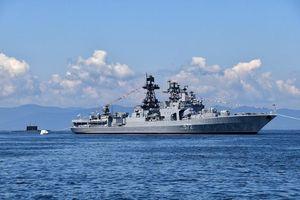 Tàu chiến Nga và Tàu tuần dương Hoa Kỳ 'đụng' nhau trên Biển Hoa Đông