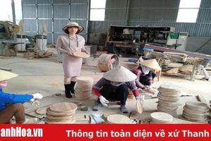 Khởi nghiệp từ sản xuất các mặt hàng gia dụng bằng tre, luồng