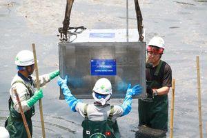 Sau 3 tuần làm sạch bằng công nghệ Nhật Bản, nước sông Tô Lịch ra sao?