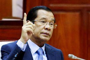 Thủ tướng Campuchia Hun Sen đáp trả đanh thép tuyên bố của ông Lý Hiển Long