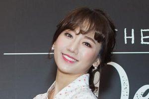 Hari Won trở thành nhân viên phục vụ trong dự án truyền hình về ẩm thực